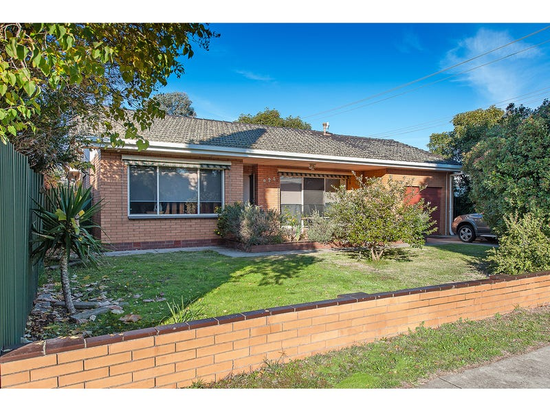 924 Calimo Street, North Albury, NSW 2640
