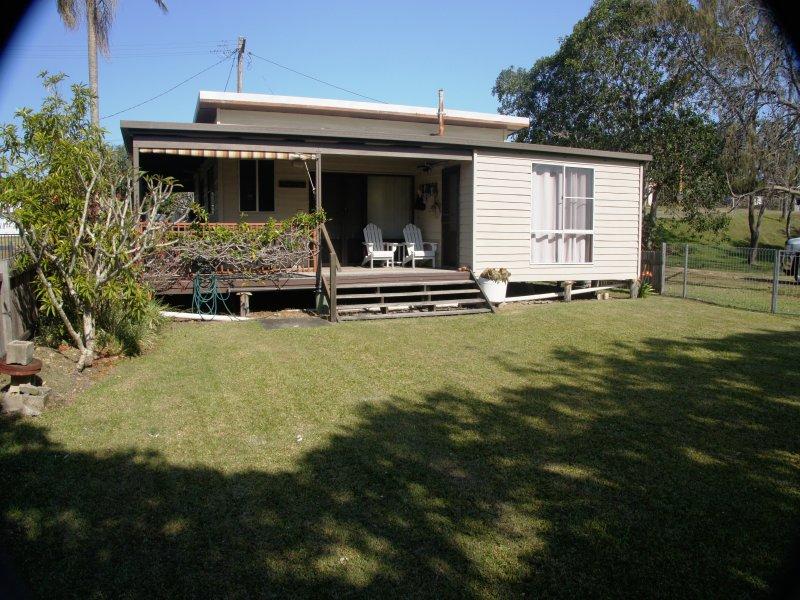 1 Carraboi St, Wooli, NSW 2462