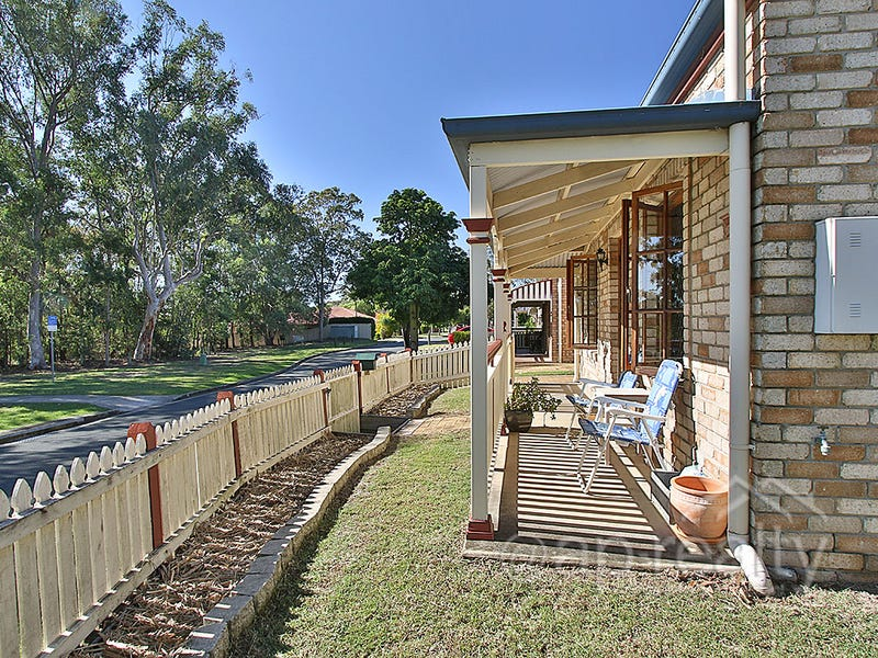 13 Hyde Place, Forest Lake, Qld 4078