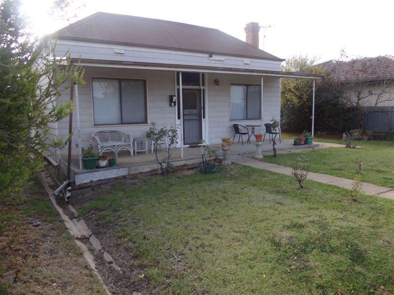42 Madden Street, Kaniva, Vic 3419