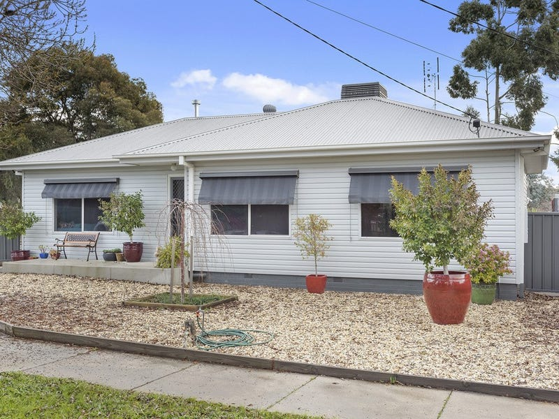 3 O'Dwyer Street (cnr of O'Keefe St), White Hills, Vic 3550