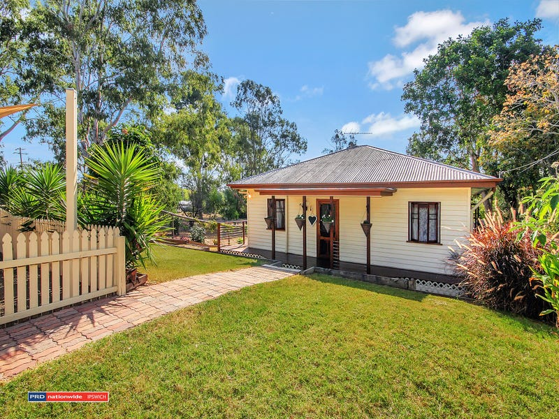 10 Queen Street, Blackstone, Qld 4304