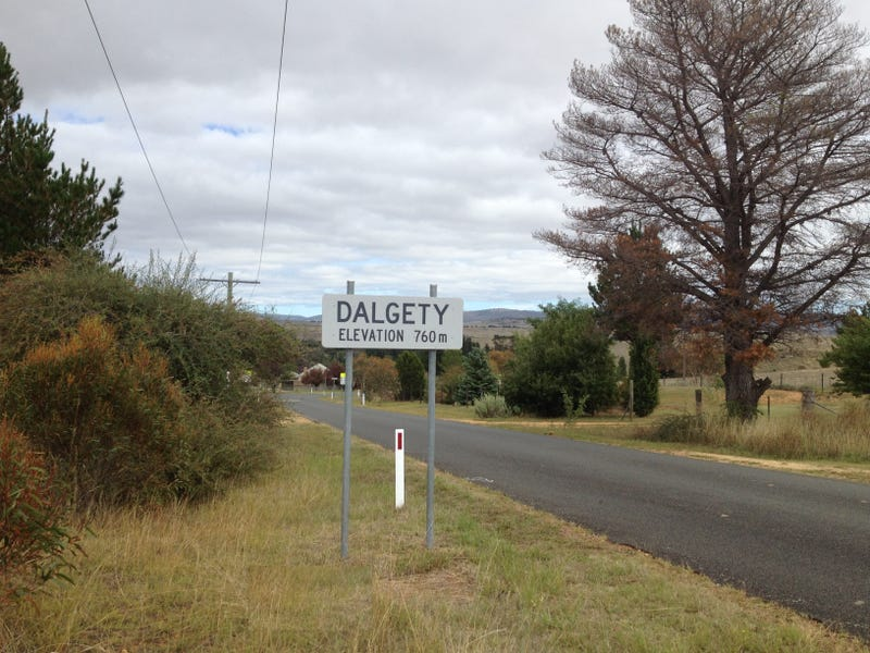 1 Barnes Street, Dalgety, NSW 2628