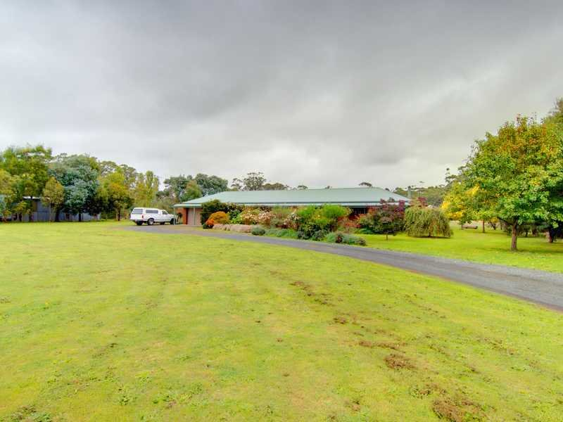 90 Kierces Road, Pootilla, Vic 3352