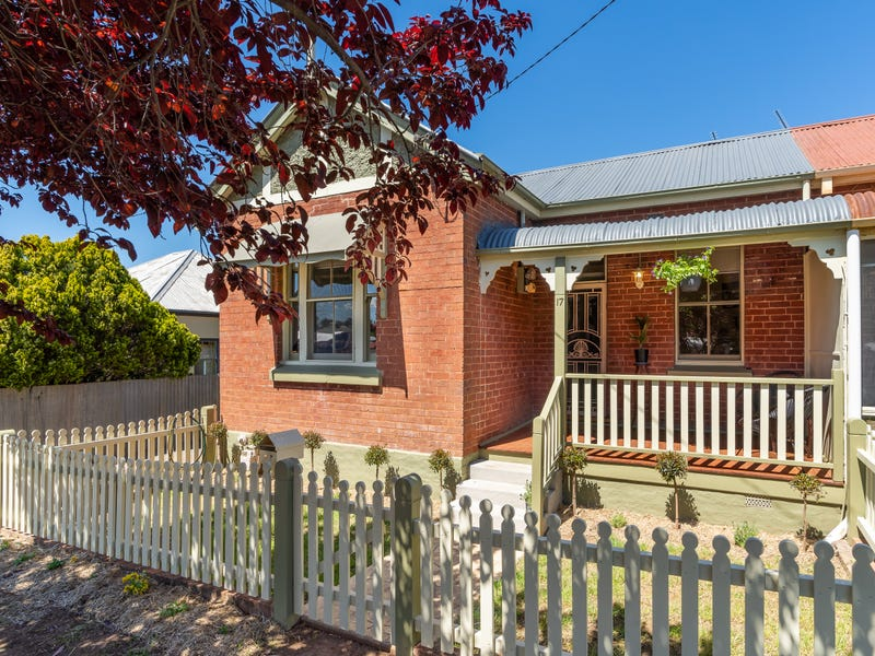 17 Railway Street, Cowra, NSW 2794