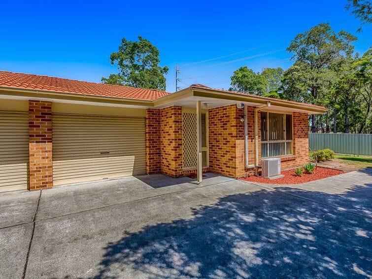 2/2 Daintree Drive, Albion Park, NSW 2527