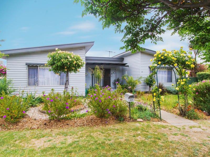 22 Alexander Street, Kangaroo Flat, Vic 3555