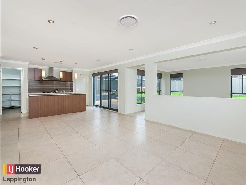 14 Voyager Street, Gregory Hills, NSW 2557