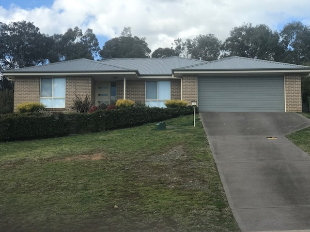 20 Booral Avenue, Tumut, NSW 2720