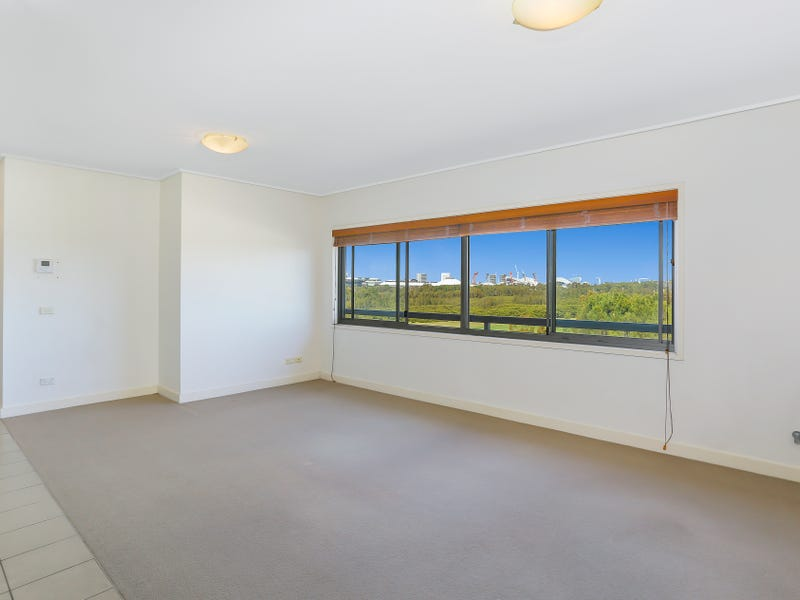 732/25 Bennelong Parkway, Wentworth Point, NSW 2127