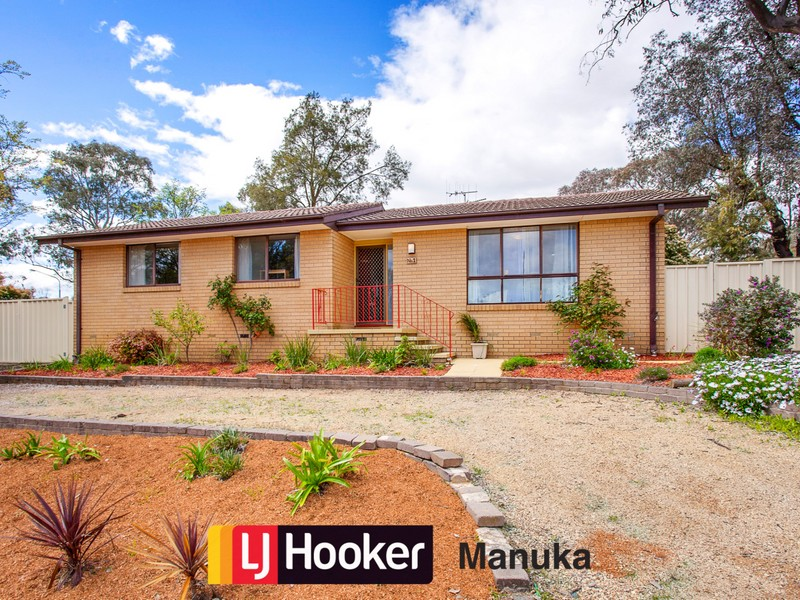 1 Berghofer Court, Charnwood, ACT 2615