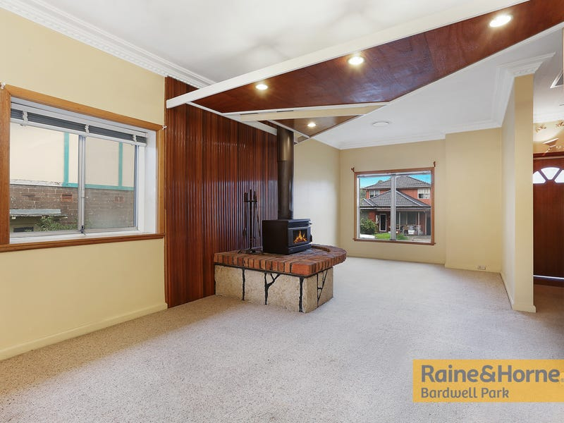 4 Bardwell Road, Bardwell Valley, NSW 2207