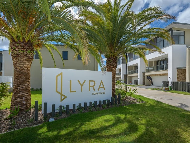 20/1 Lyra Avenue, Hope Island, Qld 4212