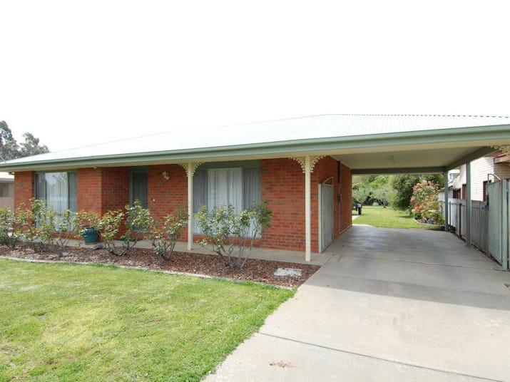 213 HENRY STREET, Deniliquin, NSW 2710