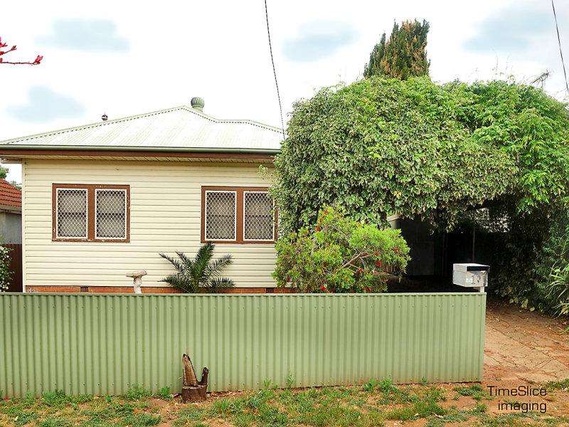 11 Heath Street, Turvey Park, NSW 2650