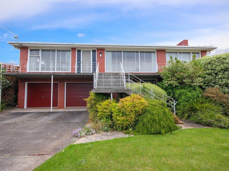 13 Ronald Street, Devonport, Tas 7310