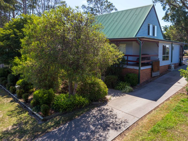 11 Renee Crescent, Moruya Heads, NSW 2537