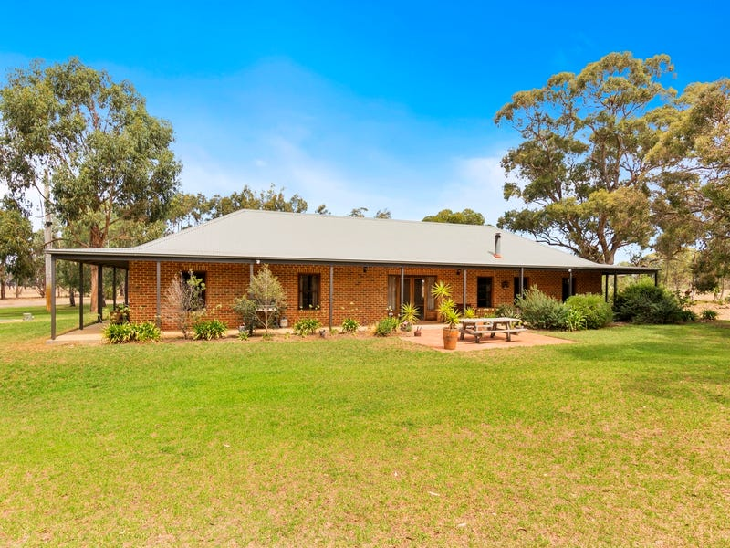 72 Quakes Road, Balliang, Vic 3340