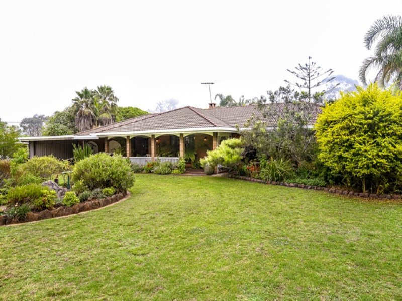 102 Preston Boundary Road, Top Camp, Qld 4350