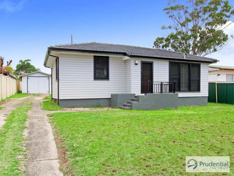 12 Bare Ave, Lurnea, NSW 2170