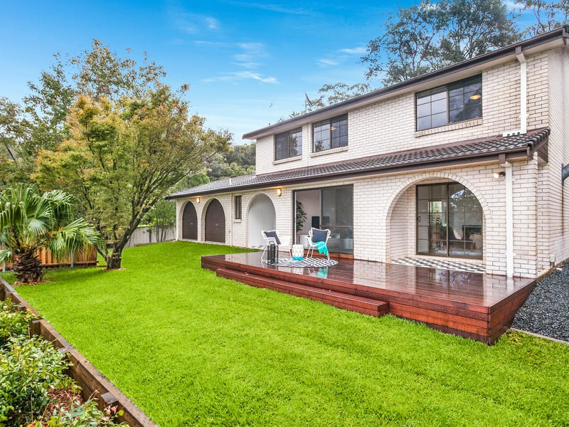 8 Railway Crescent, Stanwell Park, NSW 2508