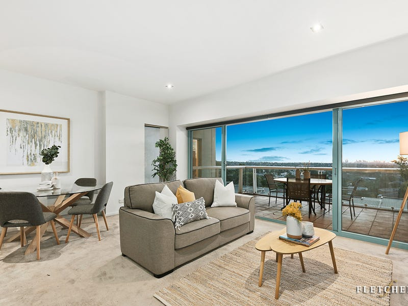 303/1 Sovereign Point Court, Doncaster, Vic 3108