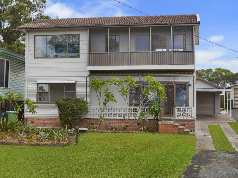 15 Greenway Avenue, Mannering Park, NSW 2259