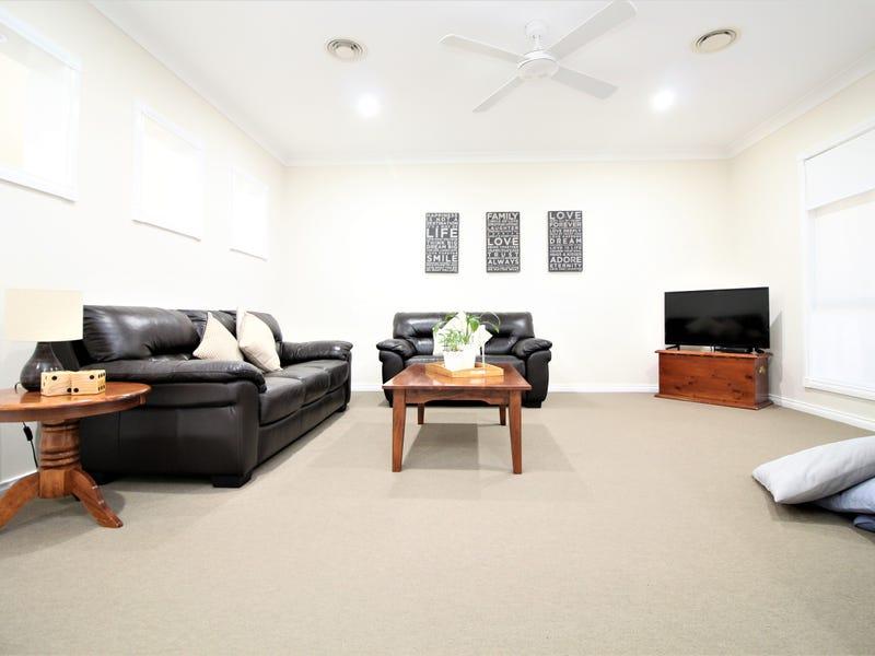 13 Dussin Street, Griffith, NSW 2680