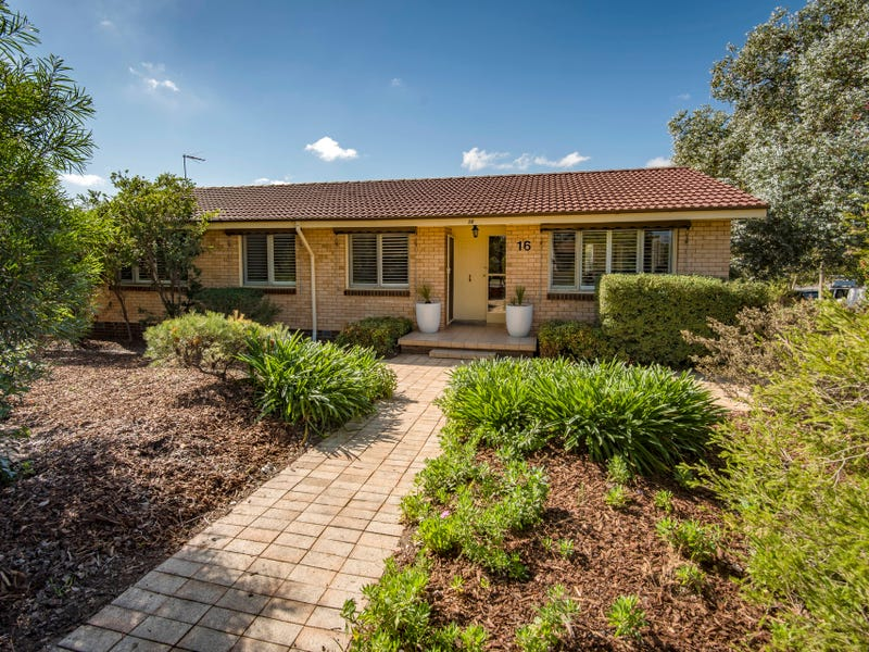 16 Chewings Street, Page, ACT 2614
