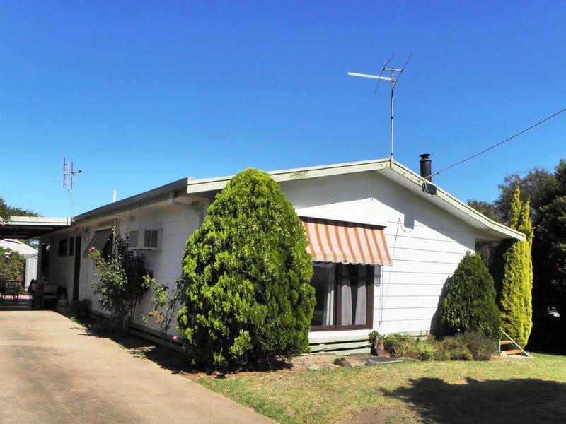 19 Uplands Avenue, Lakes Entrance, Vic 3909