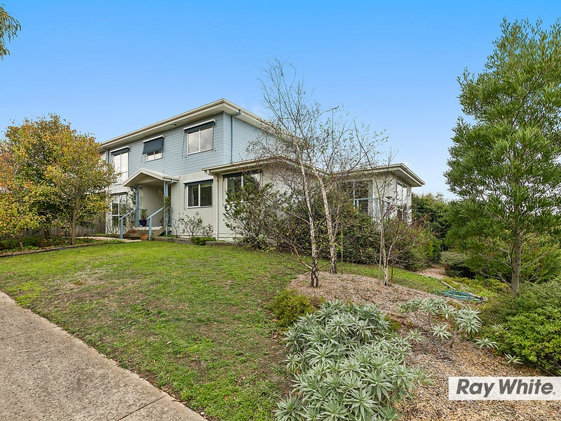 8 Water View Rise, Cowes, Vic 3922