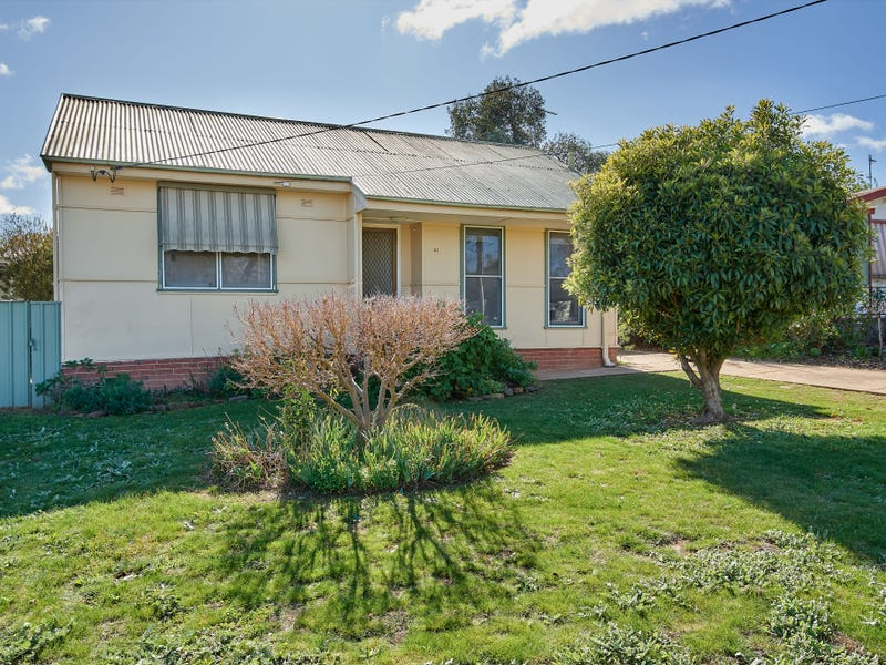 21 Castlereagh Avenue, Mount Austin, NSW 2650