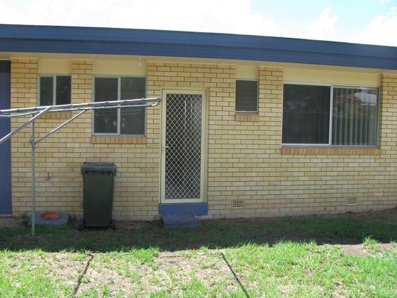 2/76 Wood Street, Inverell, NSW 2360