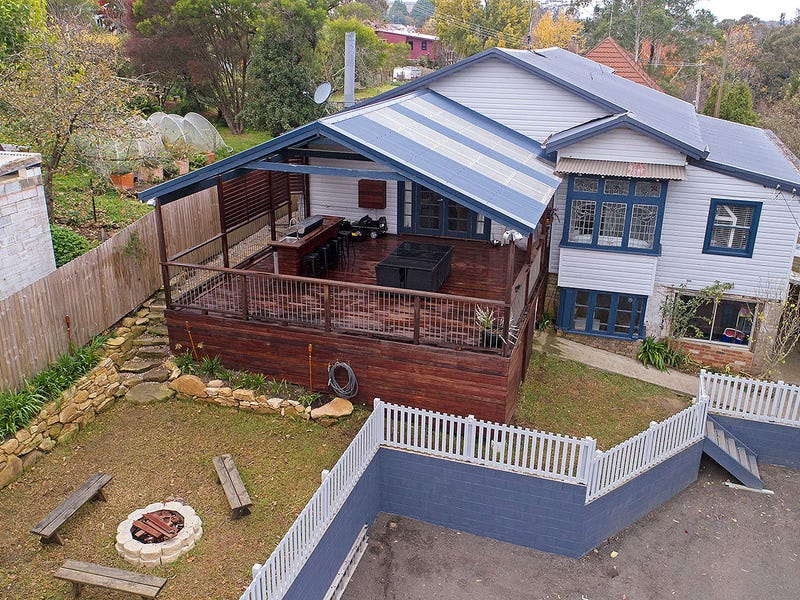 6 Lake Esplanade, Katoomba, NSW 2780