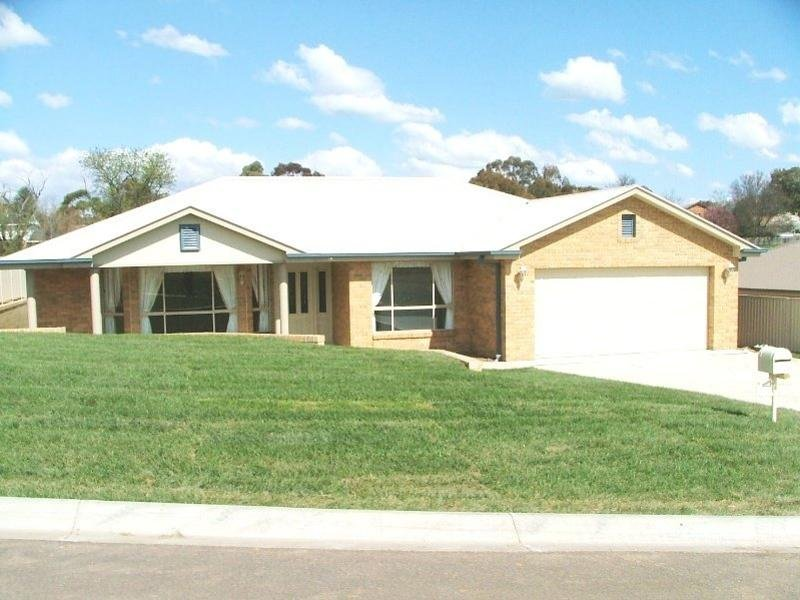 14 Douglas Court, Kelso, NSW 2795