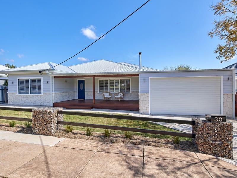 30 Croaker Street, Turvey Park, NSW 2650
