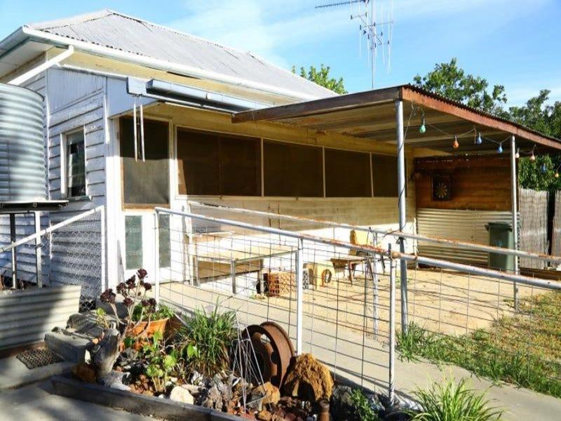 27 Jebb Street, Moulamein, NSW 2733