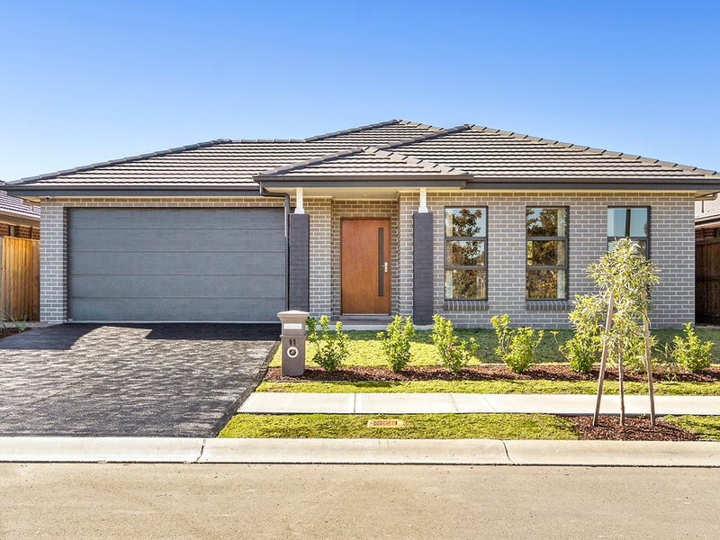 11 Sugarloaf Crescent, Colebee, NSW 2761