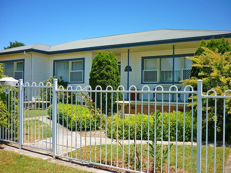 21 Marsden  St, Blayney, NSW 2799