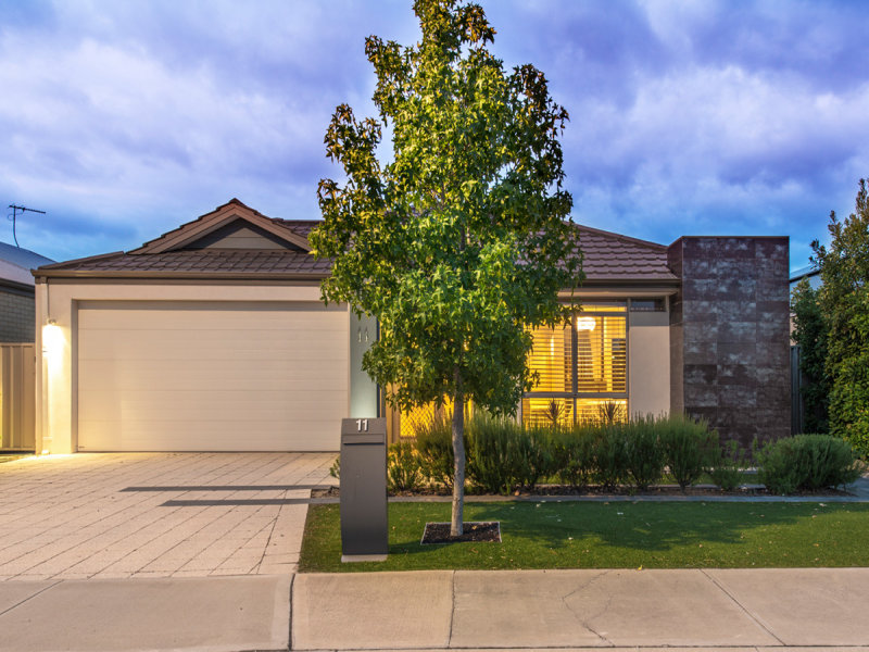 11 Gemstone Parade, Wellard, WA 6170