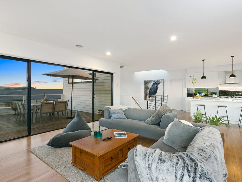 18 Knowles Grove, Point Lonsdale, Vic 3225