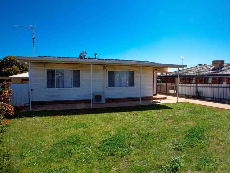 135 Simpson Street, Wellington, NSW 2820