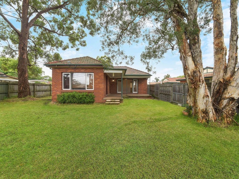 1/126 Galston Road, Hornsby Heights, NSW 2077
