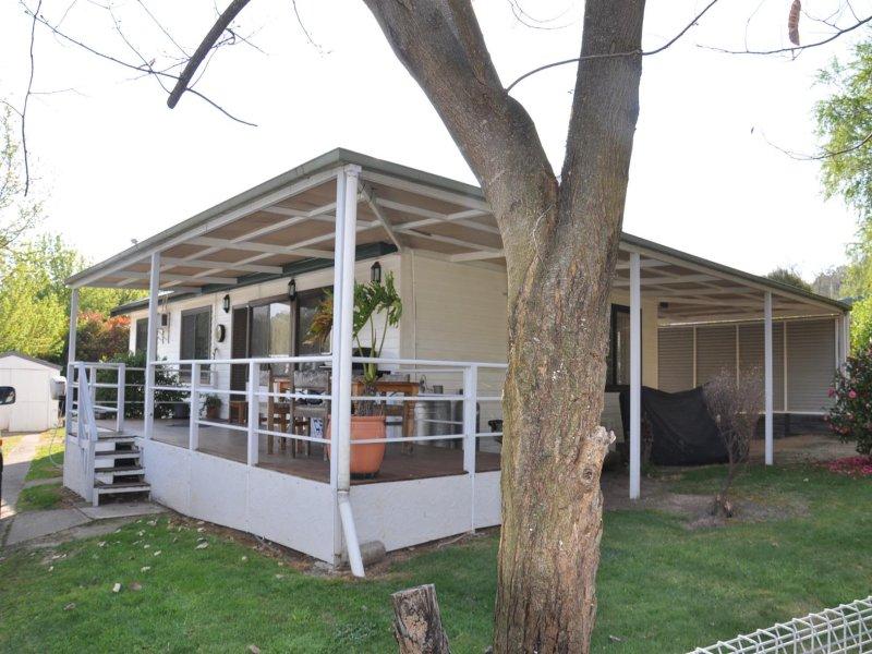 17 Douglas Street, Khancoban, NSW 2642