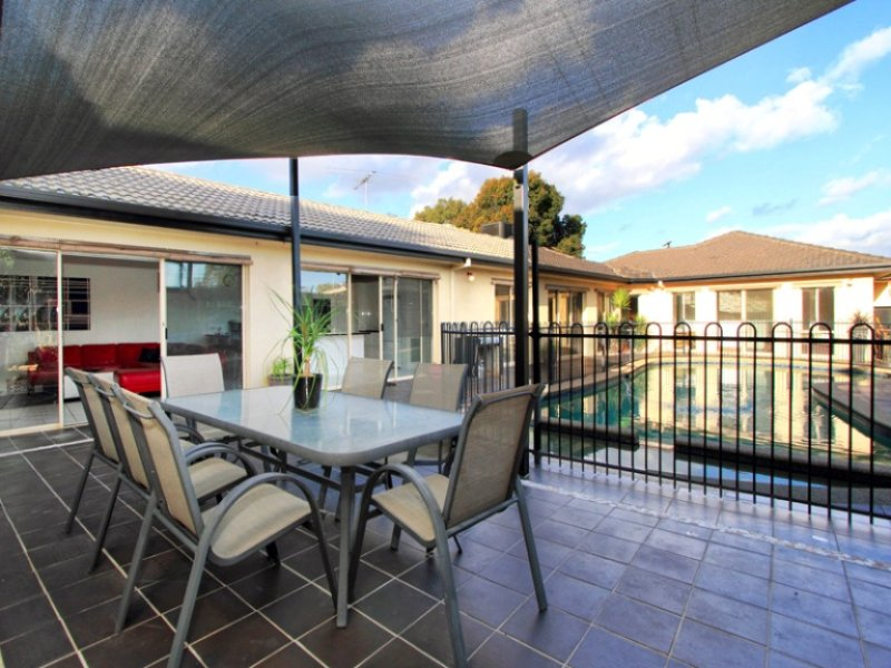 6 Roosevelt Court, Dingley Village, Vic 3172