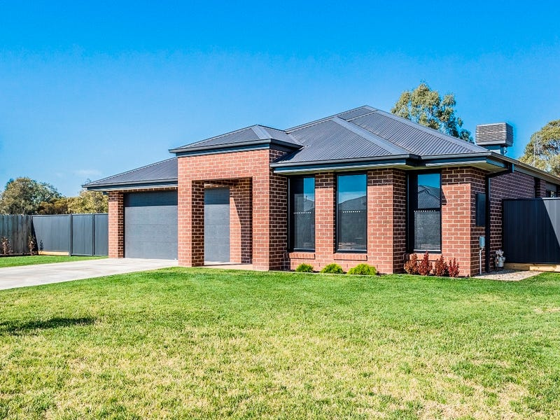 16 Marsanne, Moama, NSW 2731