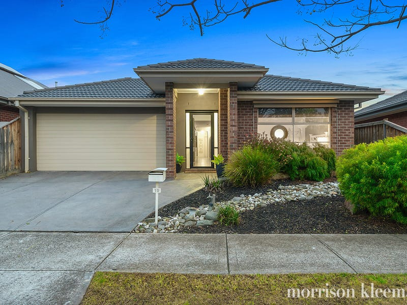 19 Airey Way, Doreen, Vic 3754