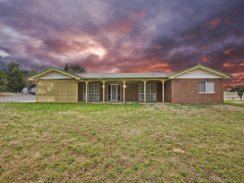 129 Gooromon Ponds Road, Wallaroo, NSW 2618