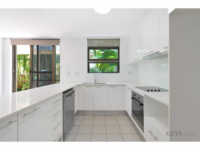 1/28 Woodroffe Avenue, Main Beach, Qld 4217