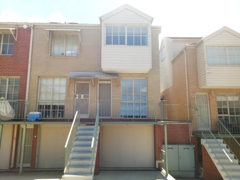 18/2-4 Ballarat Road, Footscray, Vic 3011